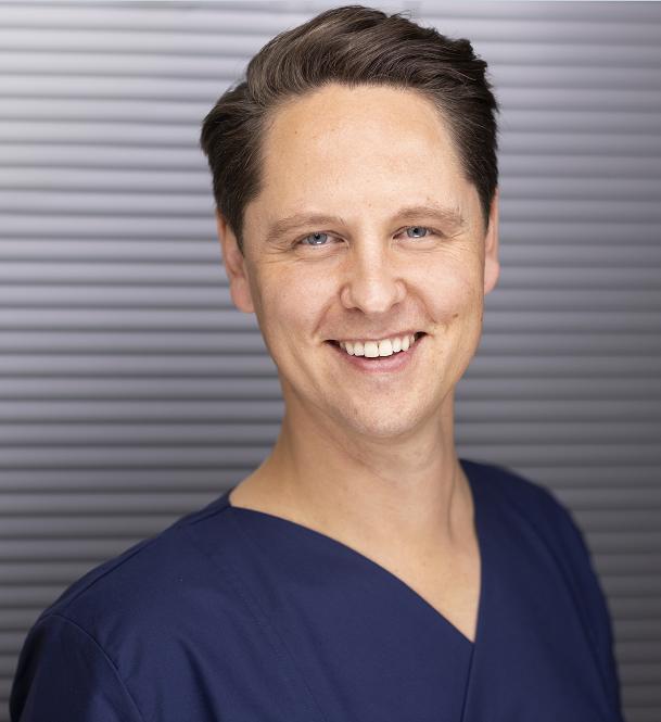 Dr. med. Frederic Hecker